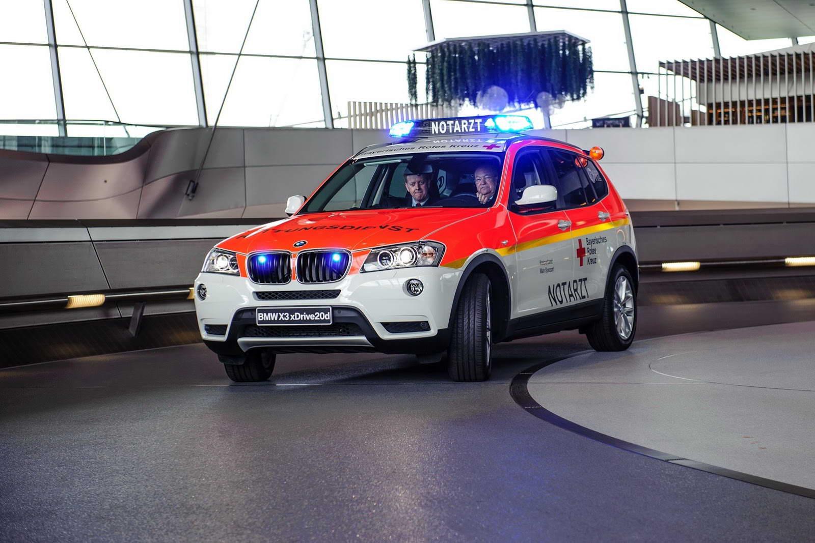 BMW X3 Red Cross