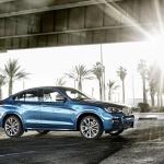 2017-BMW-X4-M40i-27